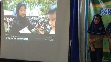 Melatih Keterampilan Literasi Teknologi Melalui Presentasi Video