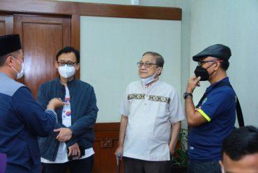 Direktur dan Tim RS PKU Muhammadiyah Kartasura Kunjungi Tim HWFC